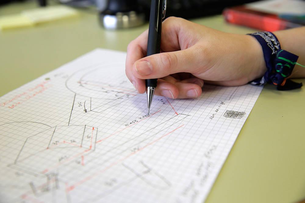 Dessinateur-constructeur industriel CFC / Dessinatrice-constructrice industrielle CFC
